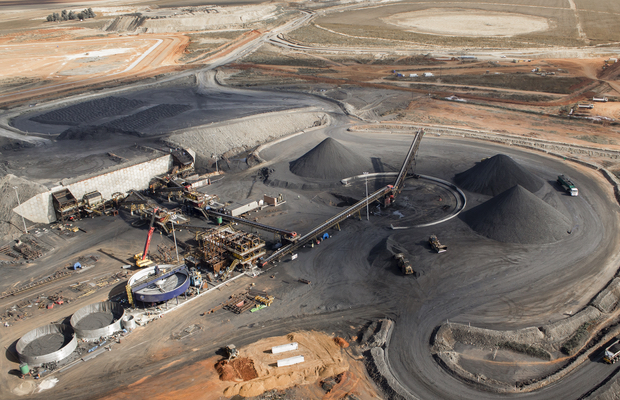 Afrimat enters bid for Universal Coal