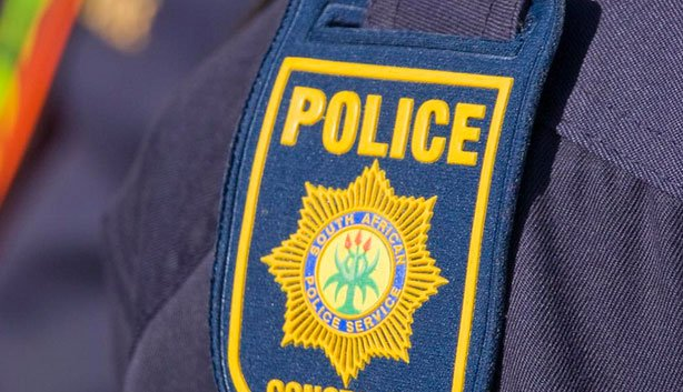 Police spooks threaten to strike